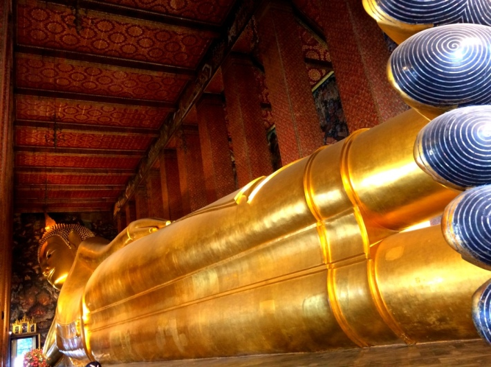 Reclining Buddha full statue